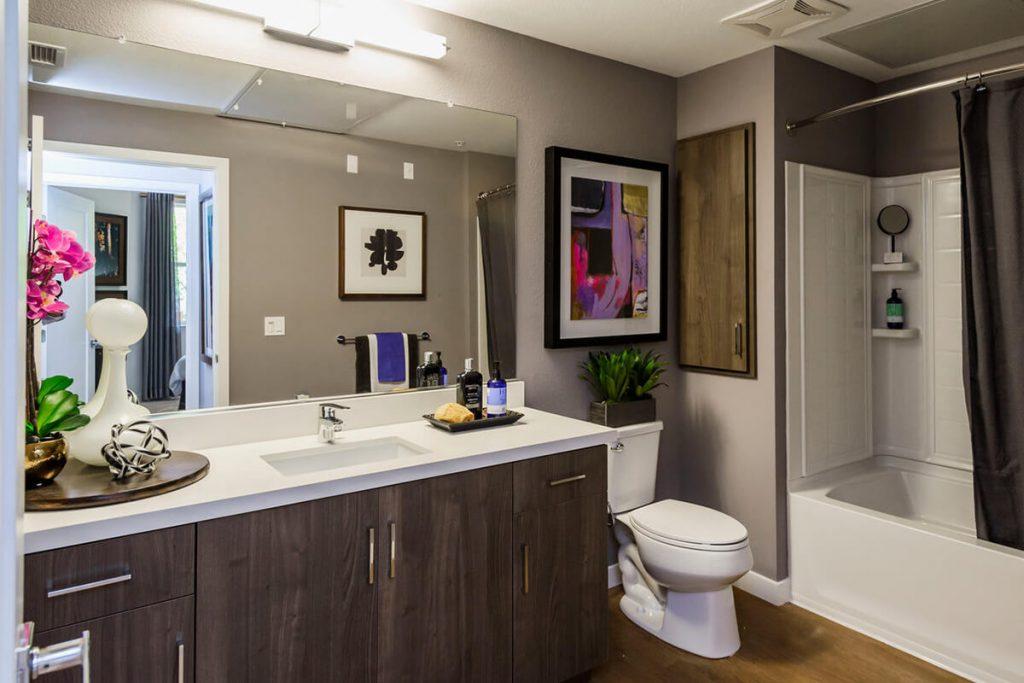 6tenEAST - Plan D1: Bath