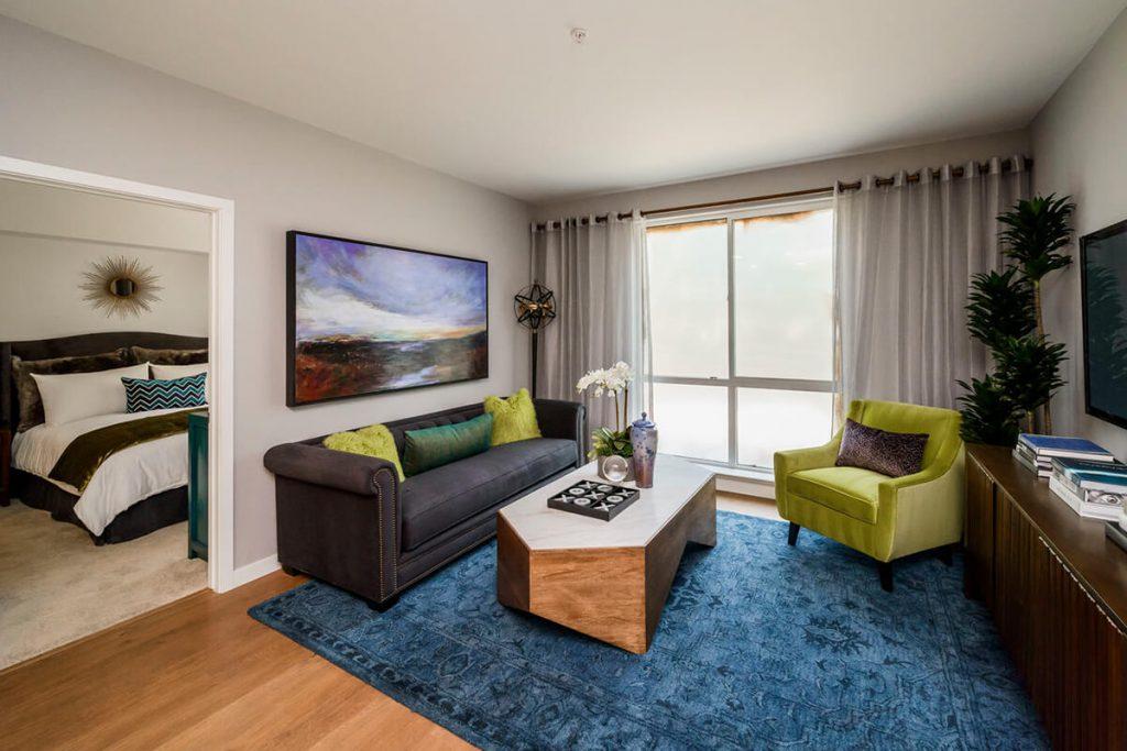 6tenEAST - Plan J2: Living/Bedroom 1
