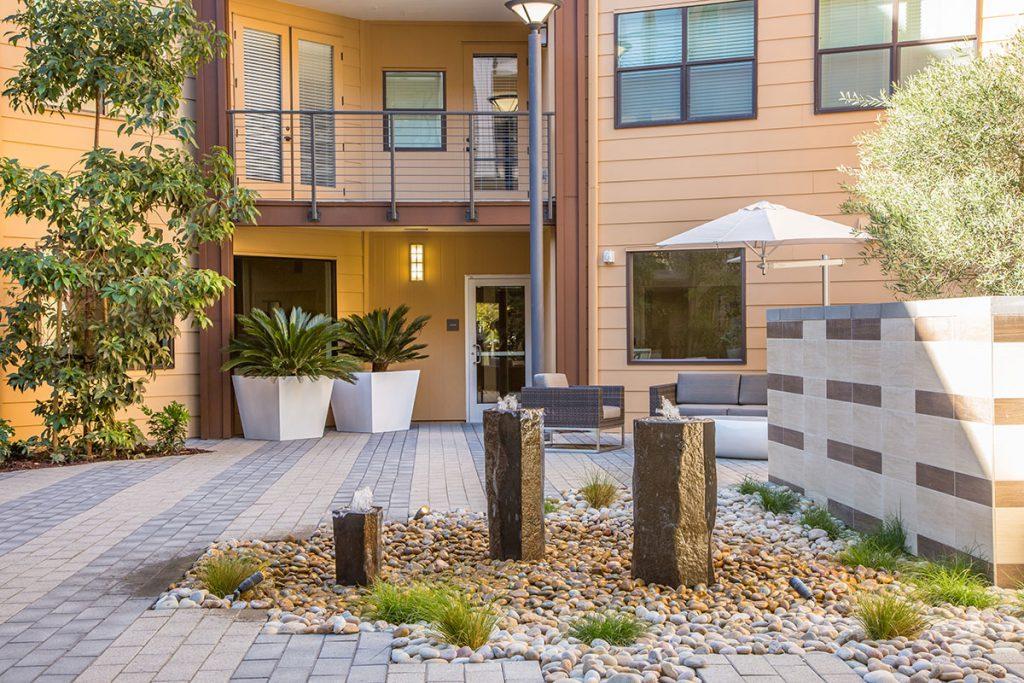 6tenEAST - 6tenEAST: Reflect Courtyard