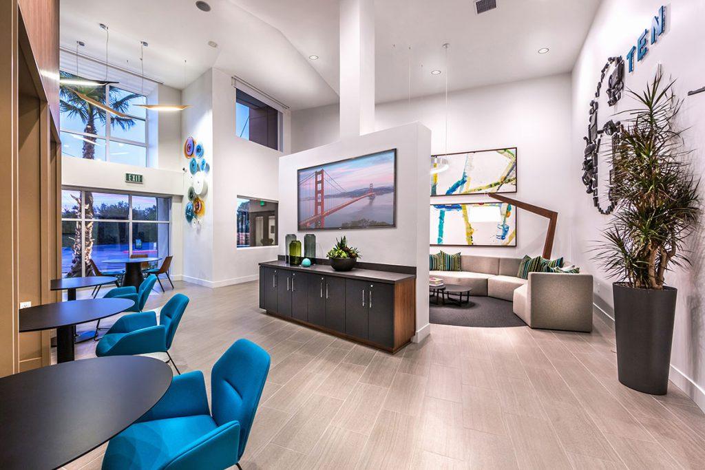 6tenEAST - 6tenEAST: Wired Lounge